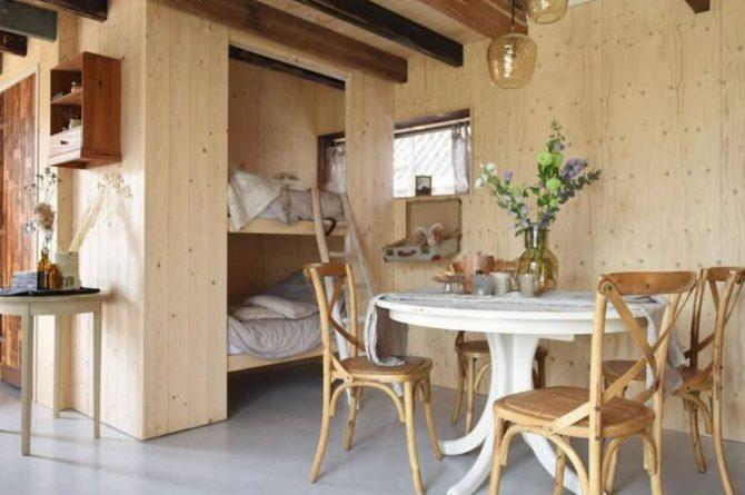 Villapparte-Natuurhuisje-Natuurhuisje Hoeve Echtenerbrug-romantisch vakantiehuisje voor 4 personen-Echtenerbrug-Friesland-gezellige eethoek