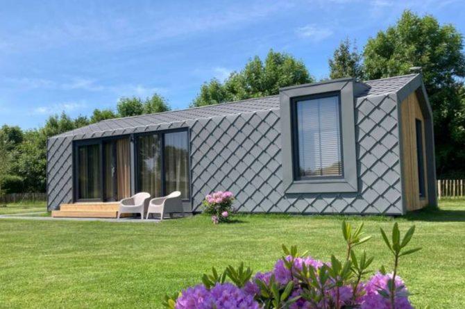 Villapparte-Natuurhuisje Tiny Roof Koudum-romantisch tiny house voor 2 personen-Friesland-uniek object