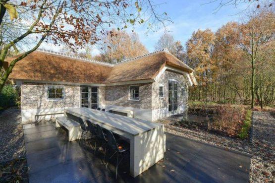 Villapparte- Natuurhuisje Vrijrijck-Ermelo-luxe vakantiehuis voor 16 personen-Gelderland-buiten terras