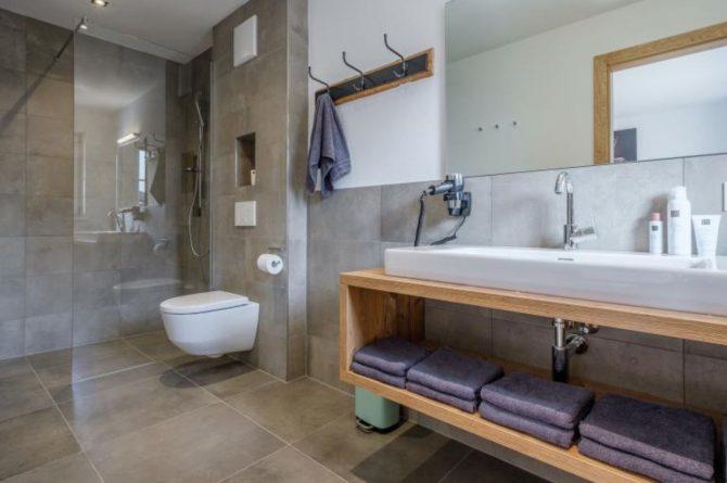 Villapparte-Villa for you-Chalet Tauernlodge Berglust-luxe vakantiehuis voor 10 personen-Salzburgerland-Bramberg am Wildkogel-Oostenrijk-luxe badkamer