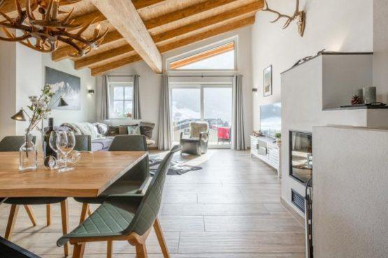 Villapparte-Villa for you-Chalet Tauernlodge Berglust-luxe vakantiehuis voor 10 personen-Salzburgerland-Bramberg am Wildkogel-Oostenrijk-romantische woonkamer
