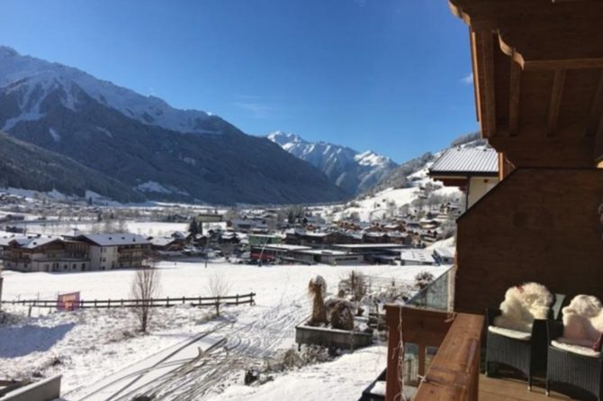 Villapparte-Villa for you-Chalet Tauernlodge Berglust-luxe vakantiehuis voor 10 personen-Salzburgerland-Bramberg am Wildkogel-Oostenrijk-uitzicht winter
