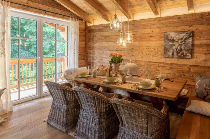 Villapparte-Villa for you-Vakantiehuis Tauernlodge Krimml-luxe vakantiehuis voor 10 personen-met sauna-Salzburgerland-Oostenrijk-knusse eethoek