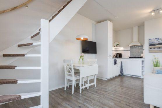 Villapparte-Welcome in Zeeland-Appartement - Schulenburg 33a-Oostkapelle-luxe appartement voor 2 personen-inclusief strandcabine-Zeeland-sfeervolle eethoek