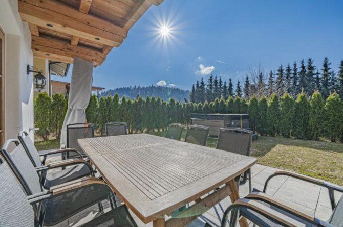 Villapparte-Villa for you-Chalet Wilder Kaiser-Luxe vakantiehuis voor 10 personen-Itter-Tirol-Oostenrijk-zonnig terras