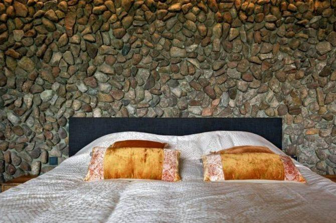 Villapparte-Natuurhuisje Drents Keienhuis-luxe vakantiehuis voor 2 personen-met sauna en hottub-Drenthe-slaapkamer