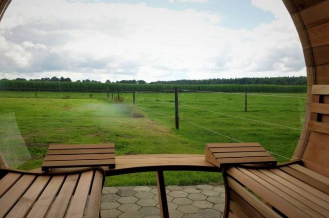 Villapparte-Natuurhuisje Drents Keienhuis-luxe vakantiehuis voor 2 personen-met sauna en hottub-Drenthe-uitzicht sauna