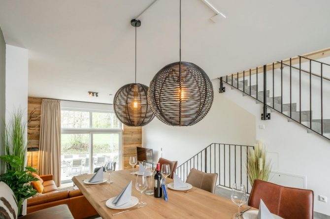 Villapparte-Villa for You-Vakantiehuis Aquarius Haus-luxe vakantiehuis voor 6 personen-Stiermarken-Oostenrijk-gedekte eettafel
