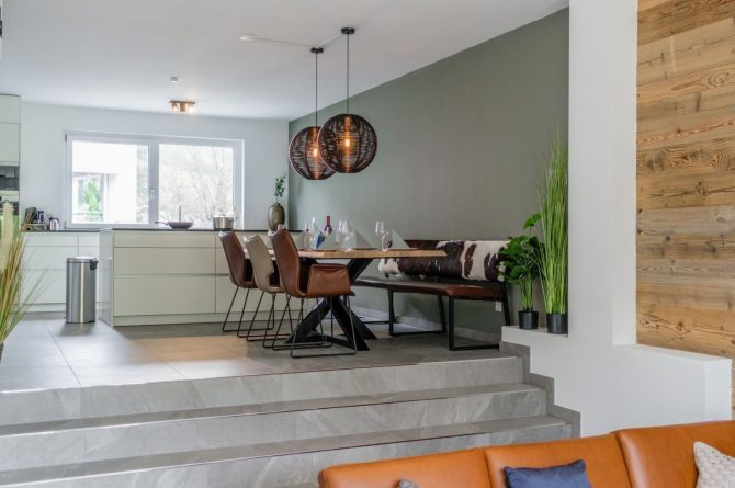 Villapparte-Villa for You-Vakantiehuis Aquarius Haus-luxe vakantiehuis voor 6 personen-Stiermarken-Oostenrijk-gezellige eettafel