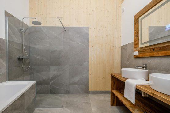 Villapparte-Villa for You-Vakantiehuis Aquarius Haus-luxe vakantiehuis voor 6 personen-Stiermarken-Oostenrijk-luxe badkamer